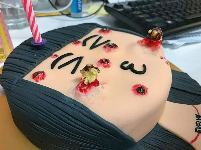 pimple-popping-cake-cakescape-10-59ddca72351a0__700